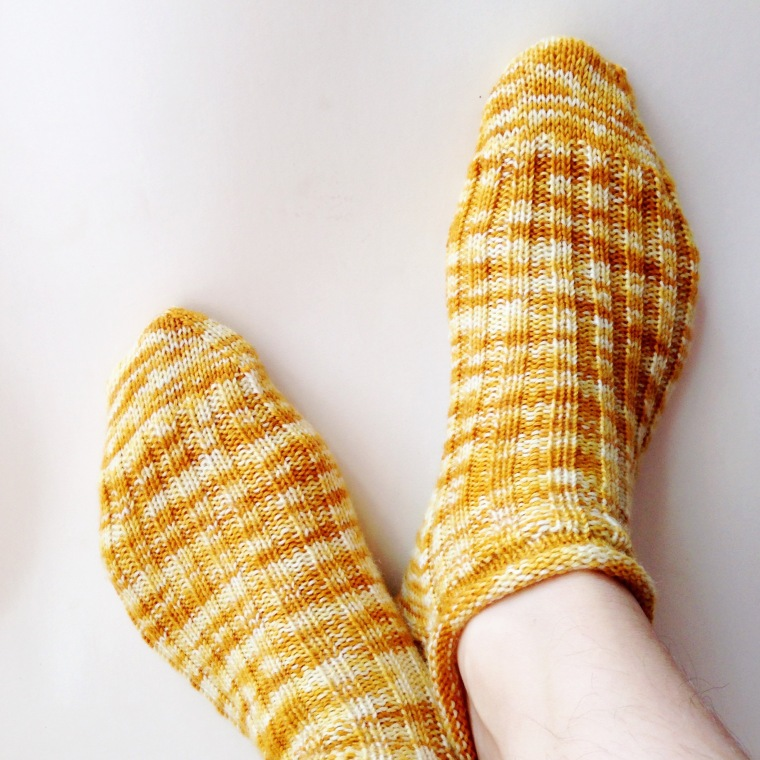 Free sock knitting pattern.